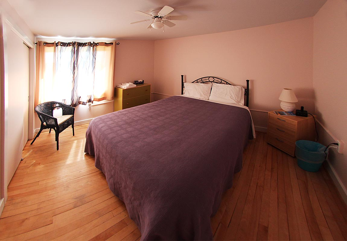 janor-guest-house-bedroom-3