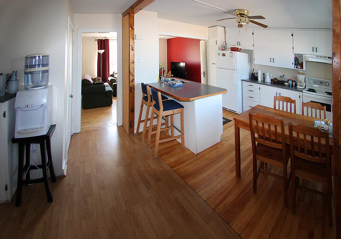 janor-guest-house-kitchen