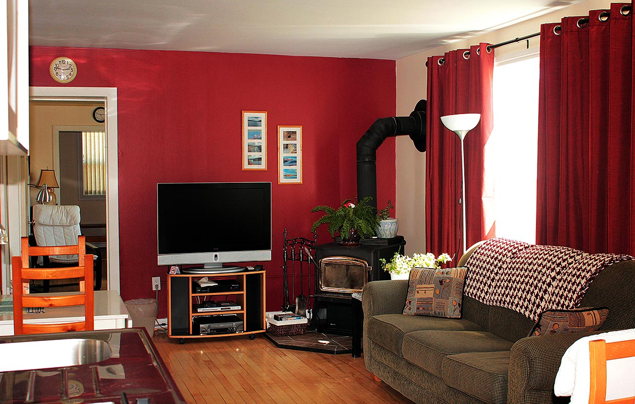 janor-guest-house-living-room-2