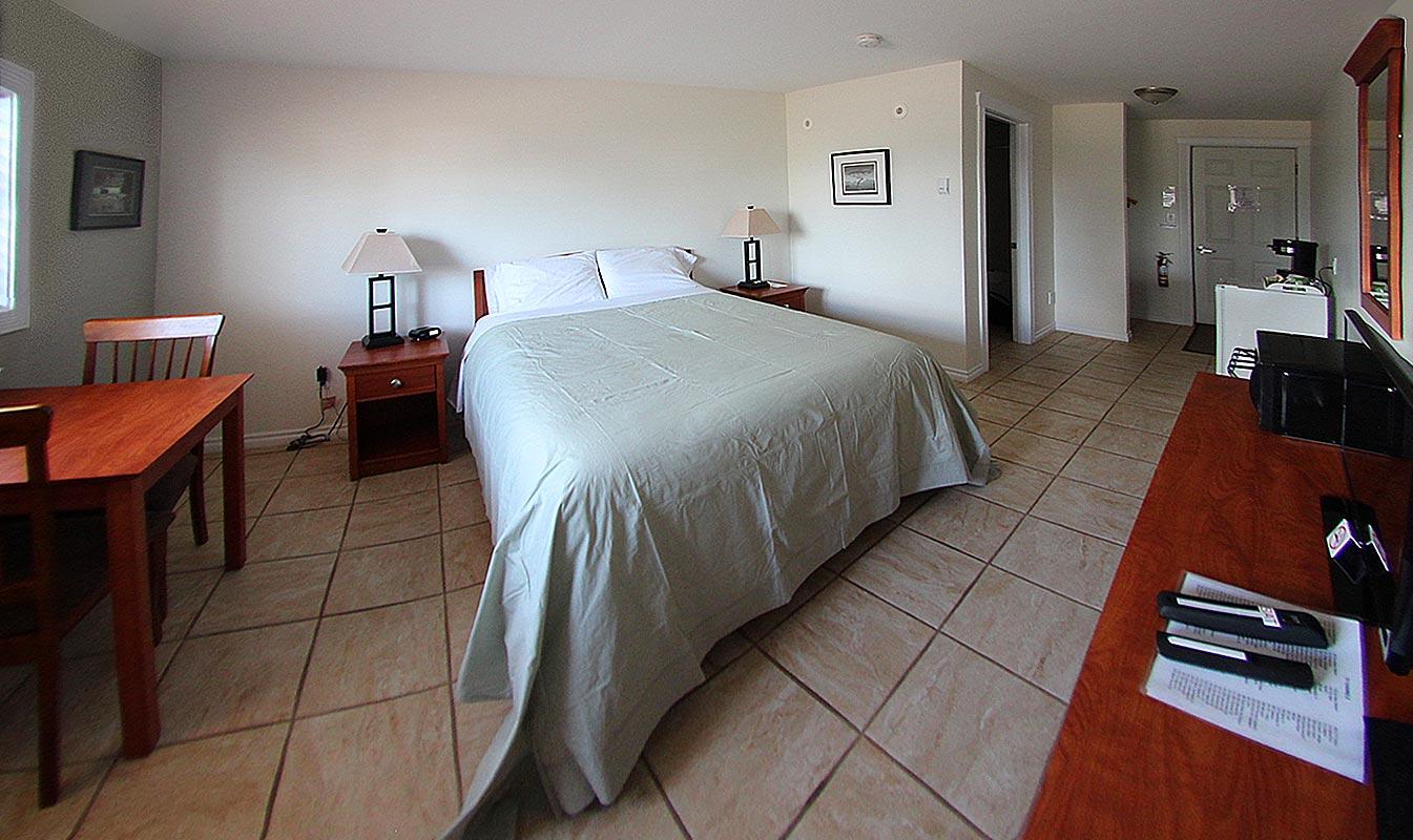 willows-inn-bedroom-3
